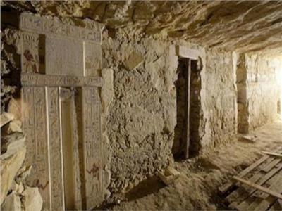 حكايات| مدينة أثرية بالمنيا.. تجمع المعابد بشواهد القبور واكتشفتها «عصابة»