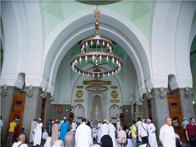 أسر شهداء الجيش والشرطة يزورون المعالم التاريخية بالمدينة المنورة