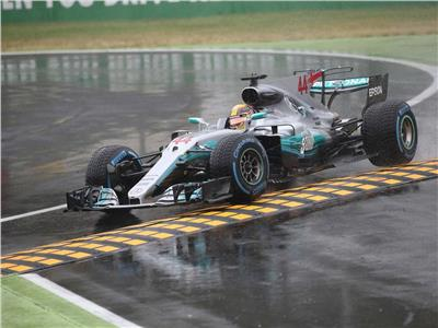 هاميلتون يفوز بسباق إيطاليا.. وفيتل يتعرض لحادث صغير