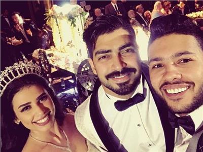 صور| محمد شاهين يهنئ مينا عطا بزفافه