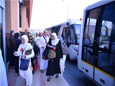مصر للطيران تُسيّر 12 رحلة لعودة 2280 حاجًا من الأراضي المقدسة