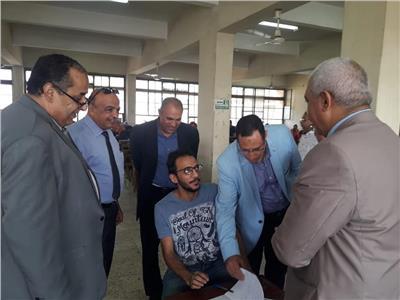 بالصور| «المحرصاوي» يتفقد امتحانات الدراسات العليا بطب الأزهر