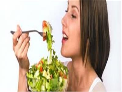 الغذاء الصحي يؤثر على خصوبة المرأة ويقي من التهابات غشاء الرحم
