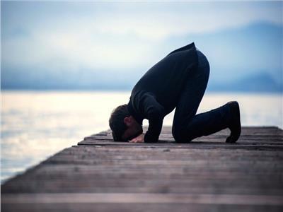 كيف يصلي من فاته العصر حتى أذان المغرب؟
