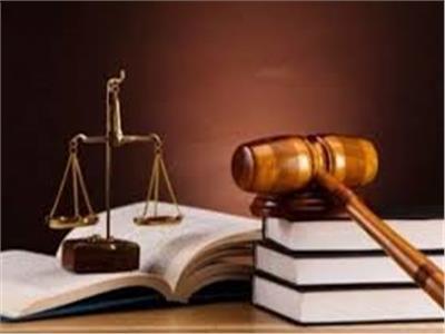 براءة صيدلي و4 سيدات من الاتجار بالمخدرات