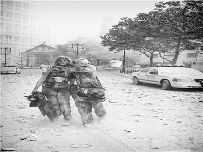«فتاة الغبار بـ11 سبتمبر» تختار نفس المصور لالتقاط صور زفافها