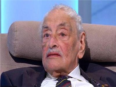 وفاة الفنان الكبير جميل راتب عن عمر 92 عاما