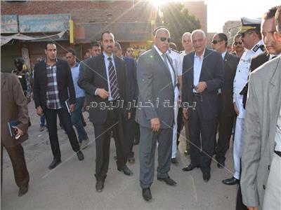 صور| محافظ الجيزة يقود حملة تطهير لشارع مستشفى الصدر من الإشغالات