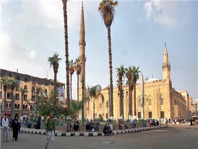 فيديو| «الأوقاف» توضح حقيقة غلق «مسجد الحسين»