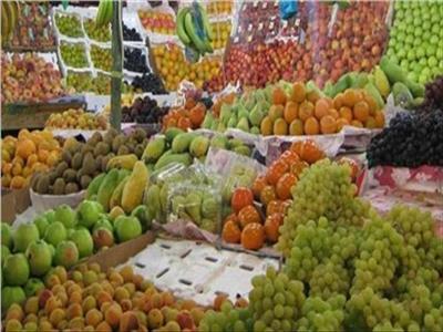 تباين في أسعار الفاكهة في سوق العبور اليوم