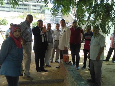 صور  رئيس جامعة الأزهر يضع اللمسات النهائية لبدء الدراسة