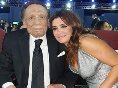 غادة عادل تنشر صورتها مع الزعيم بمهرجان الجونة