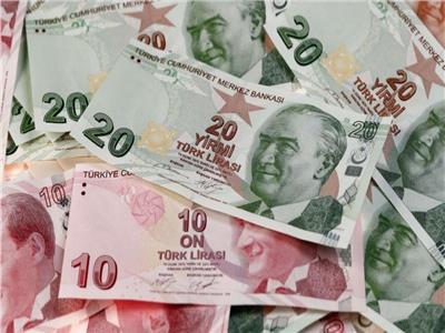 تراجع الليرة يدفع المستثمرين لبحث خطة مساعدة للبنوك التركية