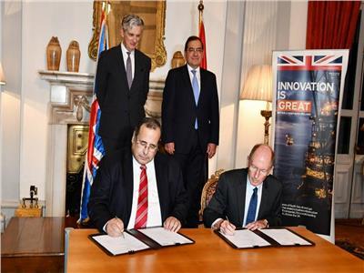 مصر وبريطانيا يوقعان اتفاقية جديدة للعمل في مشروعات حقول البترول