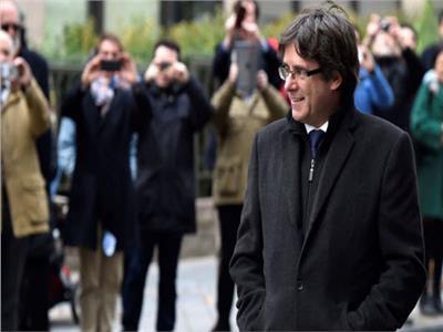 كارلس بوجديمون .. هل يعود أخطر رجال كتالونيا لزعامة الإقليم الثائر؟