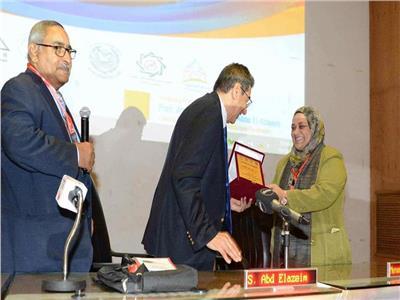 صور  أبو العزايم يكرم رئيس الأمانة العامة للصحة النفسية