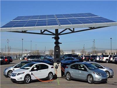 فيديو| أستاذ هندسة بترول يوضح مستقبل السيارات الكهربائية فى مصر