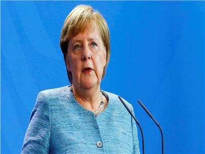 ميركل: علينا العمل على رؤية وجود جيش أوروبي حقيقي