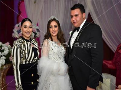 صور| عدوية وبوسي والليثي يحيون زفاف «أحمد وريم»
