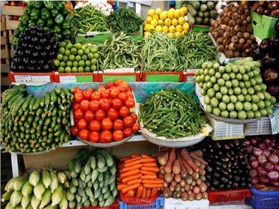 أسعار الخضروات في سوق العبور.. والطماطم بـ 4 جنيهات