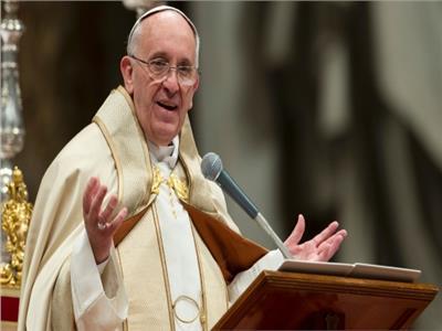 البابا فرنسيس: على العالم ألا يتجاهل المهاجرين والفقراء