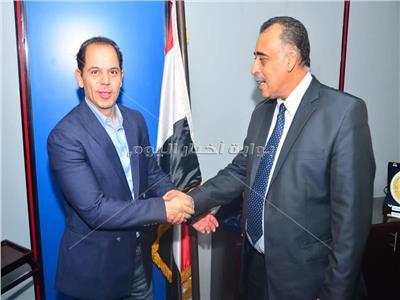 مصر للطيران تُعيد مفقودات نجل الزعيم