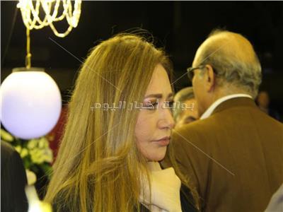 ليلى علوي وهالة صدقي ومنى زكي في عزاء إبراهيم سعدة