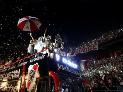 صور 60 ألف مشجع يستقبلون ريفر بليت في احتفال أسطوري بـ«ليبرتادوريس»