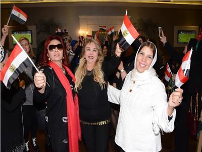بالصور| نبيلة عبيد ومنى عبد الغني يحتفلن بالكريسماس