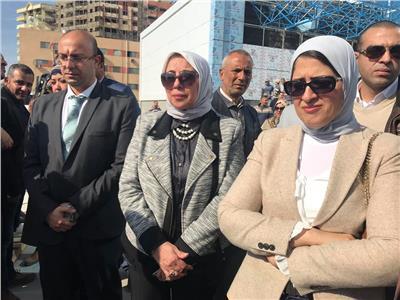 وزيرة الصحة تعلن بدء استدعاء الأسر لتسجيل بياناتهم بالوحدات الصحية