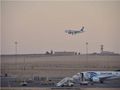 مصرللطيران: تحويل مسار رحلة نيويورك لإنقاذ حياة راكب