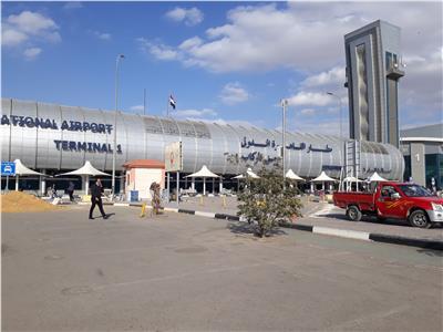 مصادر بمطار القاهرة: انتظام الحركة الجوية حتى الآن رغم الطقس السيئ