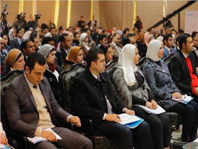 بالصور| جلسة حوارية شبابية لتعديل قانون الجمعيات الأهلية بالأكاديمية الوطنية