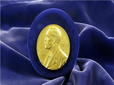 ترشيح مفكر إماراتي لجائزة نوبل للأدب