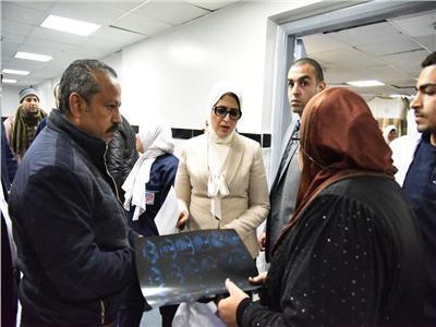 وزيرة الصحة توجه بسرعة تحسين خدمات الأمن في المعهد القومي للقلب