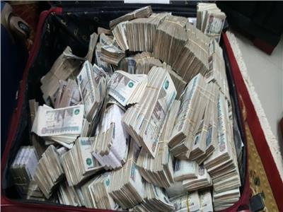 الداخلية تكشف غسيل أموال واتجار بالنقد الأجنبى بـ144 مليون جنيه