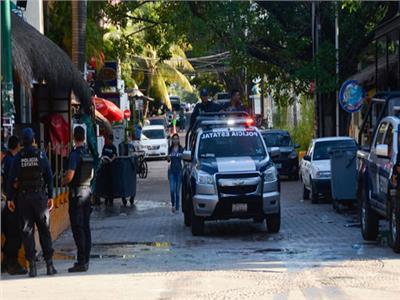 مقتل وإصابة 10 أشخاص في هجوم مسلح على منتجع سياحي بالمكسيك