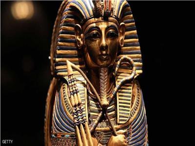 احتفالاً بكنوز الفرعون.. التليفزيون الفرنسي يبث سهرة خاصة عند سفح الأهرامات