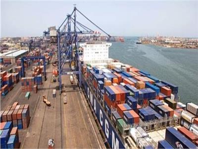 إحباط تهريب 500 ساعة مزودة بهاتف محمول وكاميرات محظور بميناء بورسعيد