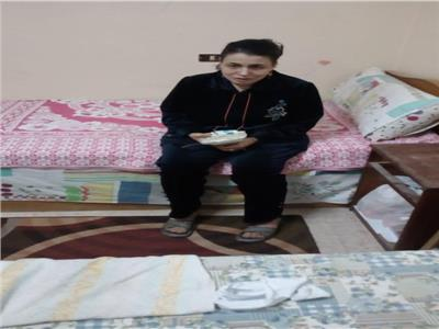فريق التدخل السريع بالإسكندرية ينقذ سيدة من التشرد