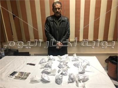 مباحث الجيزة تضبط «العرباوي» أخطر تاجر مخدرات في الوراق