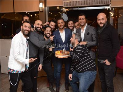 صور  مصطفى محفوظ يحتفل بعيد ميلاد رامي صبري مع عدد من النجوم