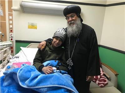 الأنبا مكاريوس يزور مستشفى 57357