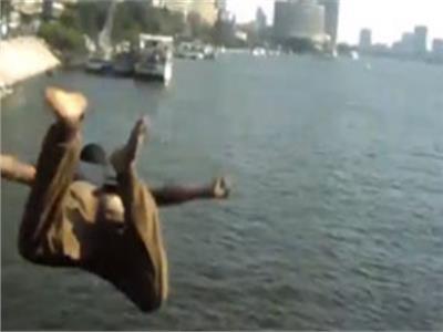 يقظة رجال المسطحات المائية .. تنقذ مواطن حاول الانتحار بنهر النيل