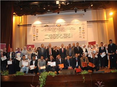 بنك مصر يكرم طلبة الجامعات لمشاركتهم في المشروع القومي لمحو الأمية