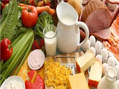 فيديو  11 نوعاً من الأطعمة تبعد عنك الاكتئاب