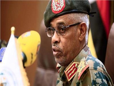 وزير الدفاع السوداني يؤدي القسم رئيسا للمجلس العسكري الانتقالي