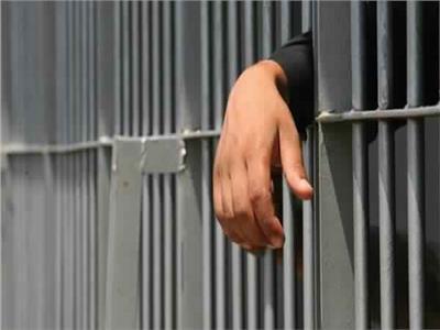 السجن المشدد 3 سنوات لعامل يتاجر في المخدرات