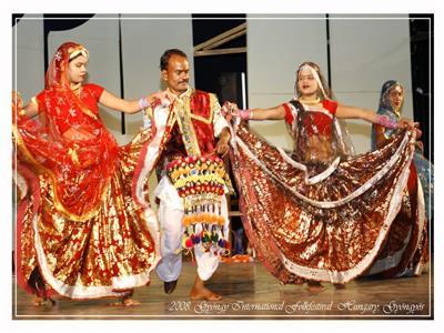 صور|«رقص من التراث الهندي» على خشبة مسرح الجمهورية.. الاثنين