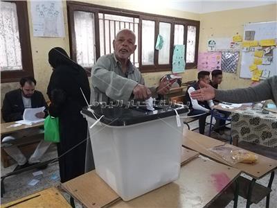 التعديلات الدستورية 2019| بدء التصويت بلجان الحوامدية والعياط وأبو النمرس بالجيزة